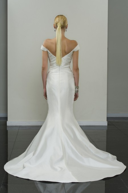 Picture of Back of Alvenia Wedding Dress - Yumi Katsura Modern Love Fall 2015 Bridal Collection
