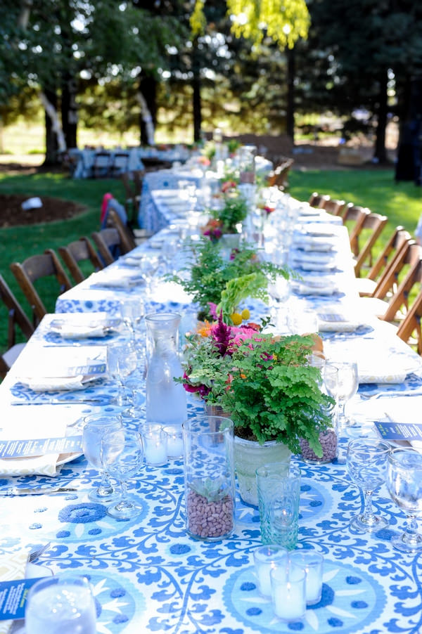 Long wedding table with blue styling