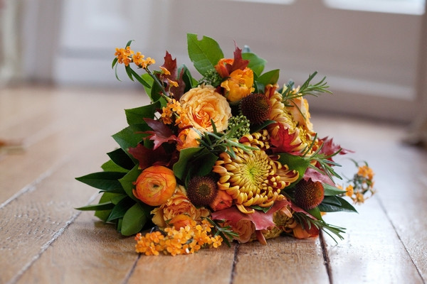 Autumnal wedding bouquet