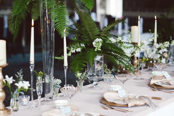 Retro Hollywood glamour style wedding table layout