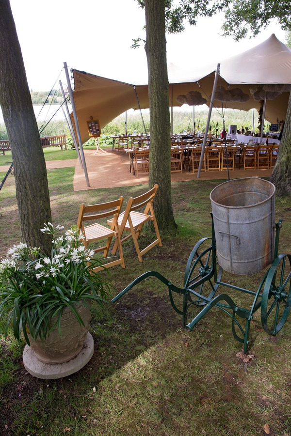 Rustic props for wedding