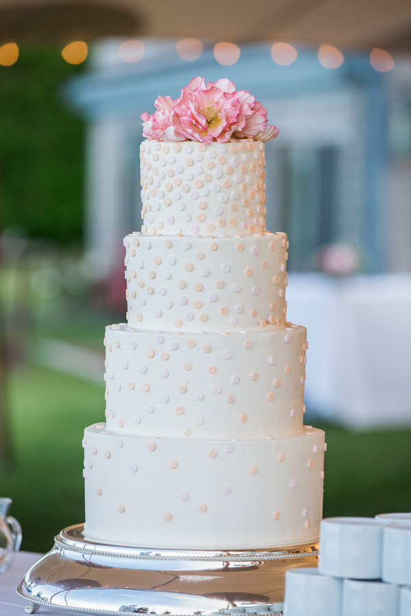 Wedding cake with dimples