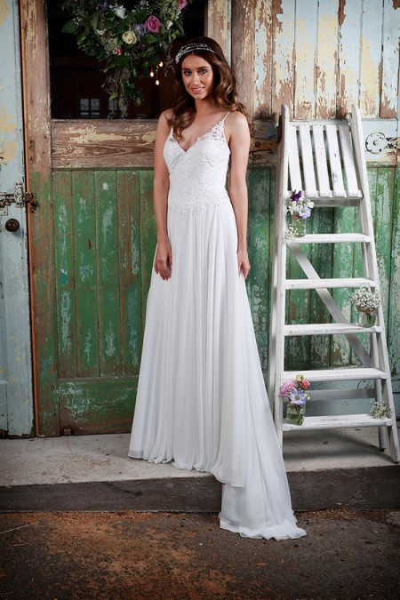 Picture of Amelie Wedding Dress - Amanda Wyatt Promises of Love 2016 Bridal Collection