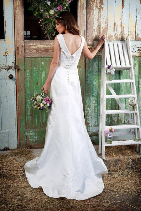 Picture of Back of Audrey Wedding Dress - Amanda Wyatt Promises of Love 2016 Bridal Collection