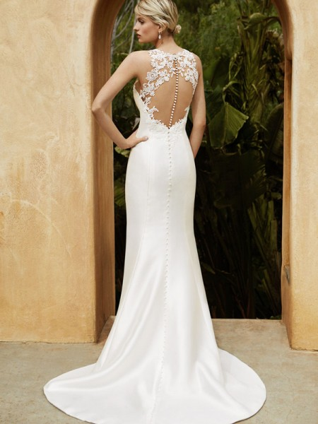 Picture of Back of BT16-02 Wedding Dress - Beautiful by Enzoani 2016 Bridal Collection