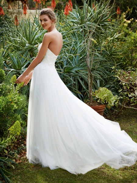 Picture of Back of BT16-07 Wedding Dress - Beautiful by Enzoani 2016 Bridal Collection