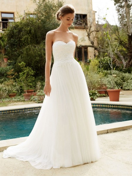 Picture of BT16-07 Wedding Dress - Beautiful by Enzoani 2016 Bridal Collection
