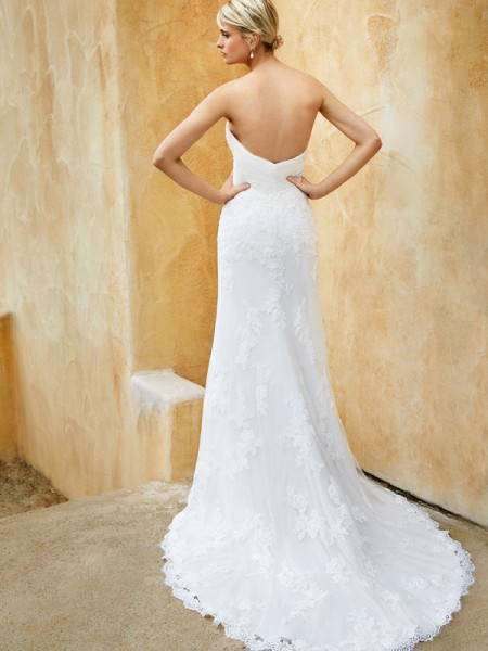 Picture of Back of BT16-11 Wedding Dress - Beautiful by Enzoani 2016 Bridal Collection