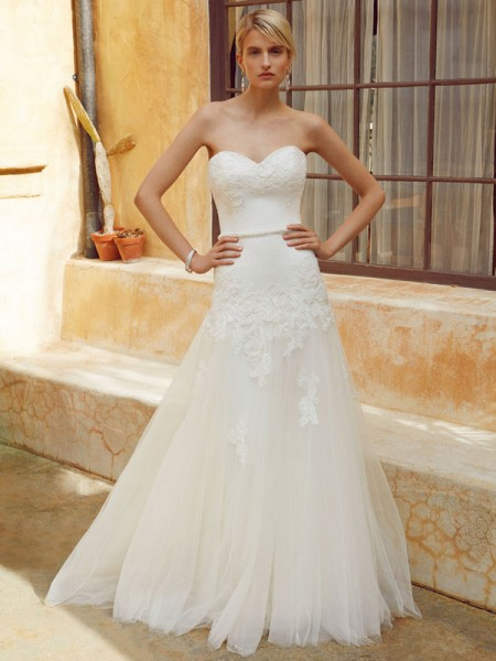 Picture of BT16-20 Wedding Dress - Beautiful by Enzoani 2016 Bridal Collection