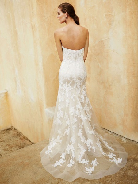 Picture of Back of BT16-31 Wedding Dress - Beautiful by Enzoani 2016 Bridal Collection