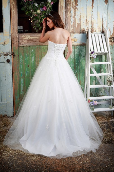 Picture of Back of Blossom Wedding Dress - Amanda Wyatt Promises of Love 2016 Bridal Collection