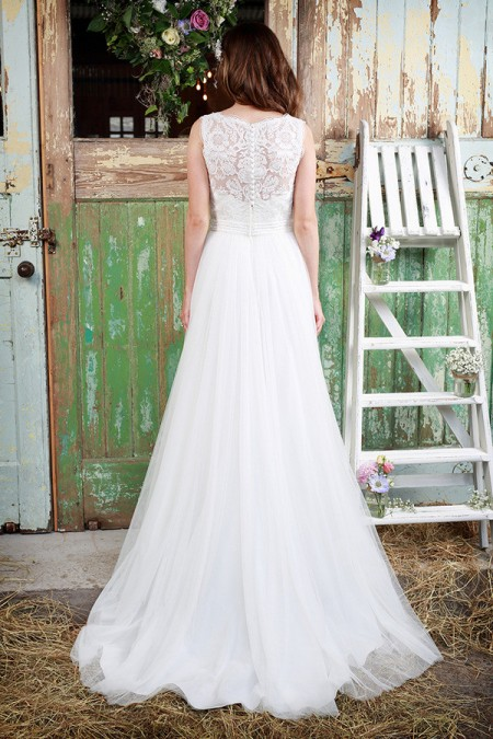 Picture of Back of Chantilly Wedding Dress - Amanda Wyatt Promises of Love 2016 Bridal Collection