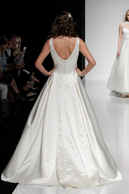 Picture of Back of Hera Wedding Dress - Alan Hannah Watercolours 2016 Bridal Collection