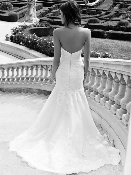 Picture of Back of Ikela Wedding Dress - Blue by Enzoani 2016 Bridal Collection