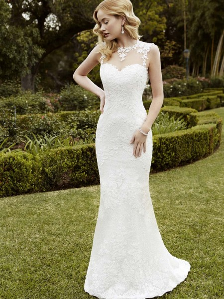 Picture of Inverness Wedding Dress - Blue by Enzoani 2016 Bridal Collection