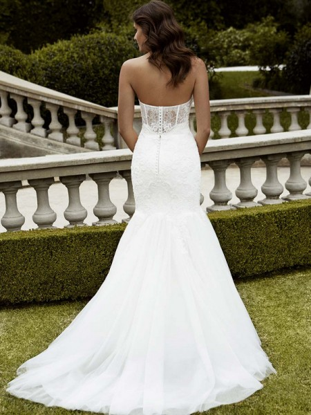 Picture of Back of Isabela Wedding Dress - Blue by Enzoani 2016 Bridal Collection
