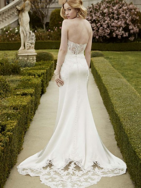 Picture of Back of Istanbul Wedding Dress - Blue by Enzoani 2016 Bridal Collection
