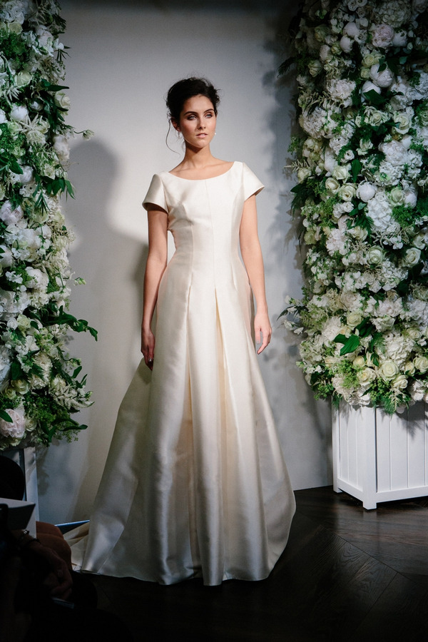 Picture of It's Only a Papermoon Wedding Dress - Stewart Parvin 2016 Bridal Collection