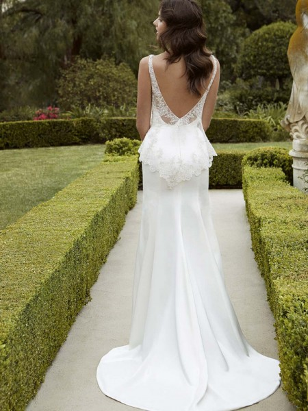 Picture of Back of Iva Wedding Dress - Blue by Enzoani 2016 Bridal Collection