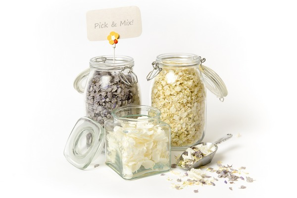 Lady Grey, Daisy Daisy and Icing Sugar Confetti from Shropshire Petals