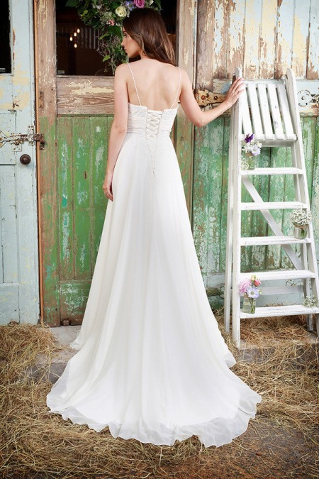 Picture of Back of Leia Wedding Dress - Amanda Wyatt Promises of Love 2016 Bridal Collection