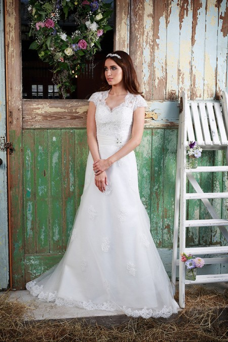 Picture of Matilda Wedding Dress - Amanda Wyatt Promises of Love 2016 Bridal Collection