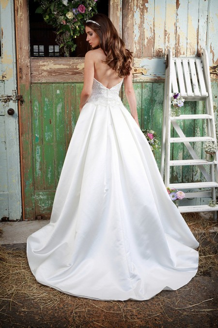 Picture of Back of Sapphire Wedding Dress - Amanda Wyatt Promises of Love 2016 Bridal Collection