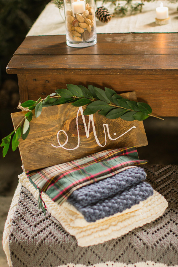 Cosy blankets with Mr sign on top