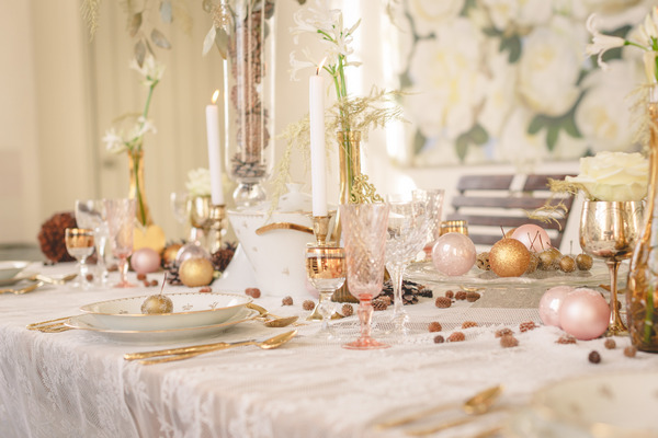 Gold and blush oink styled wedding table