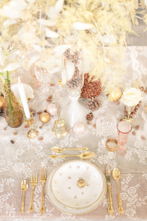 Elegant winter wedding place setting