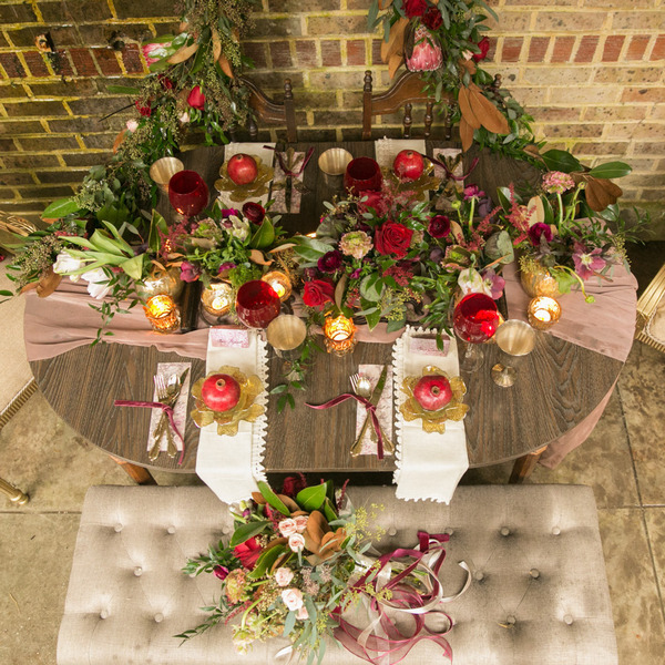 Wedding table with rustic decoration