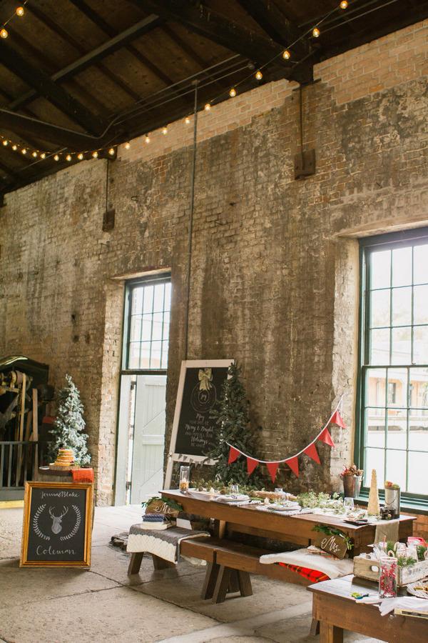 Rustic Christmas wedding layout