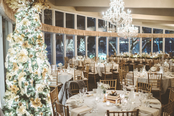 Winter wedding styling at Lake Windsor Golf Club Wisconsin