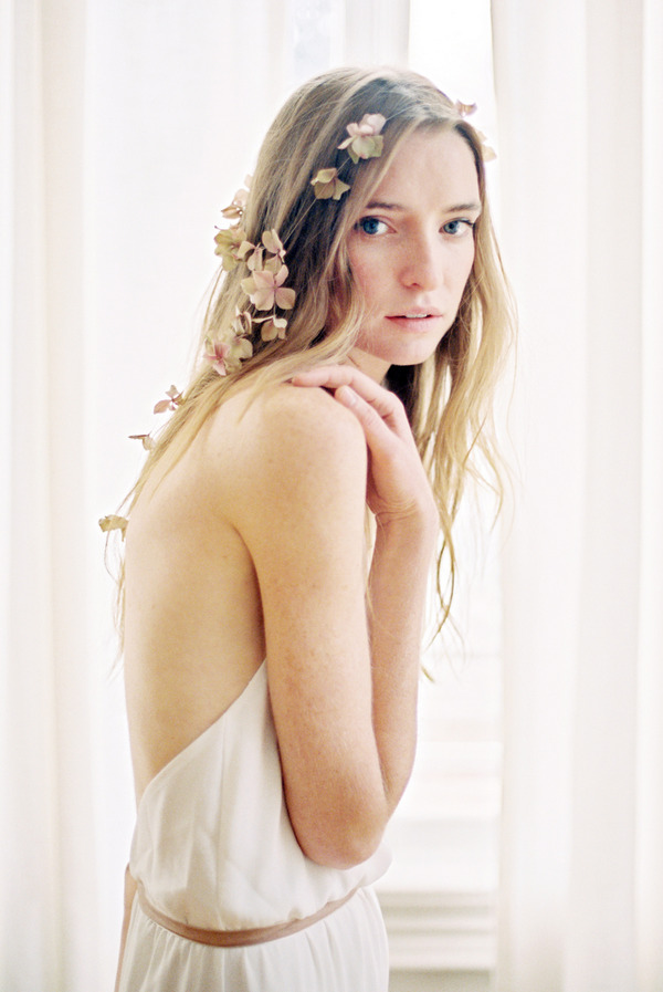 Bride with loose flower hair band