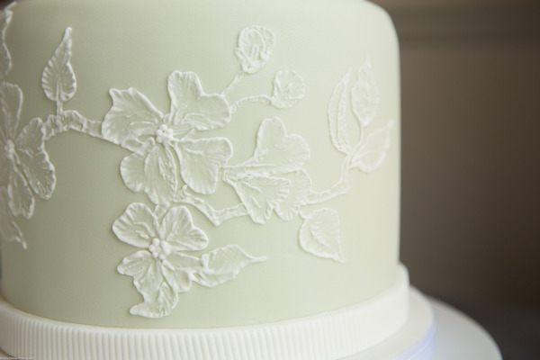 Icing detail on wedding cake