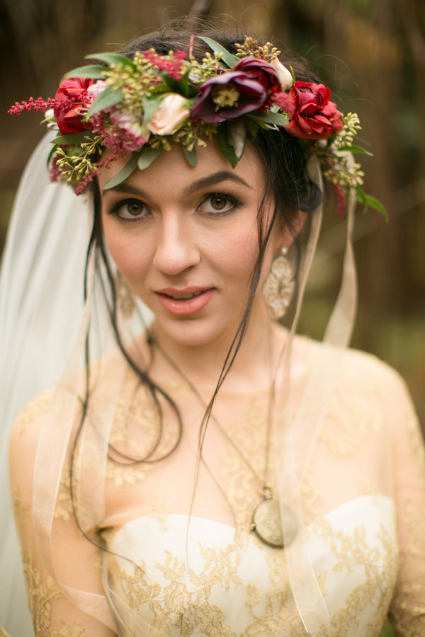 Bride with rustic flower crown