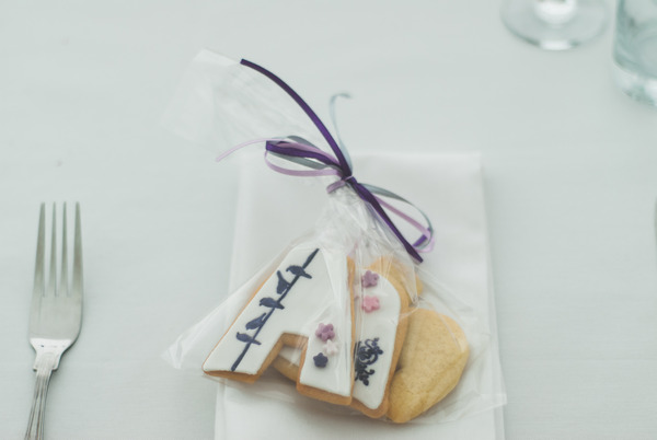 Biscuit wedding favours