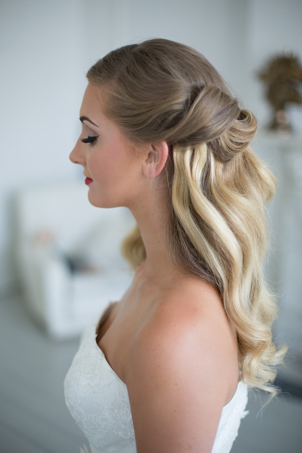 Hollywood waves bridal hairstyle