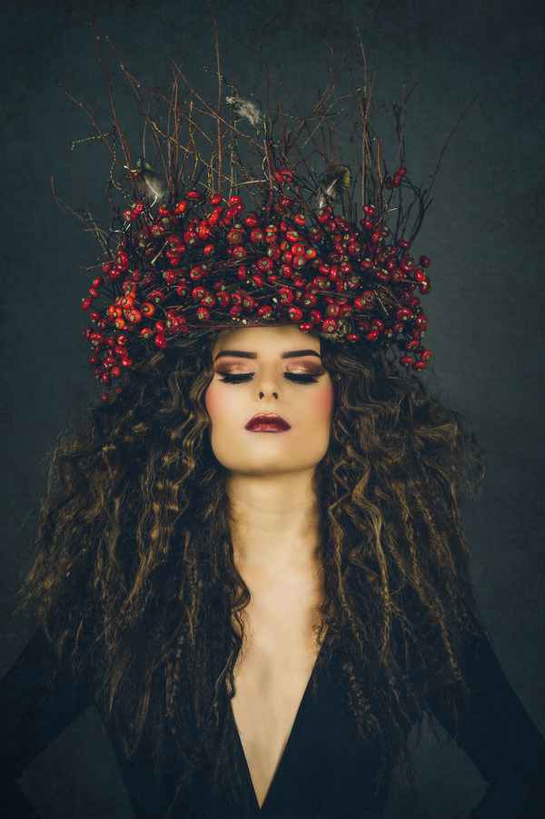 Bride with winter berry crown