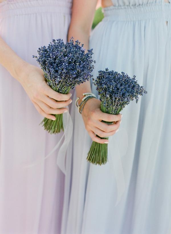 Bridesmaids' lavender bouquets
