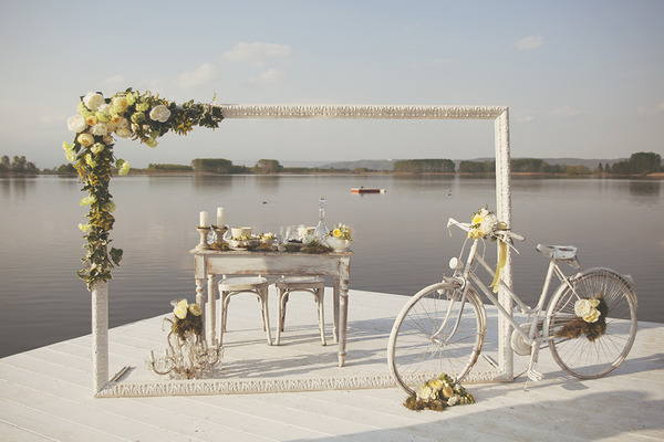 Spring styled wedding table by Lake of Candia in Italy