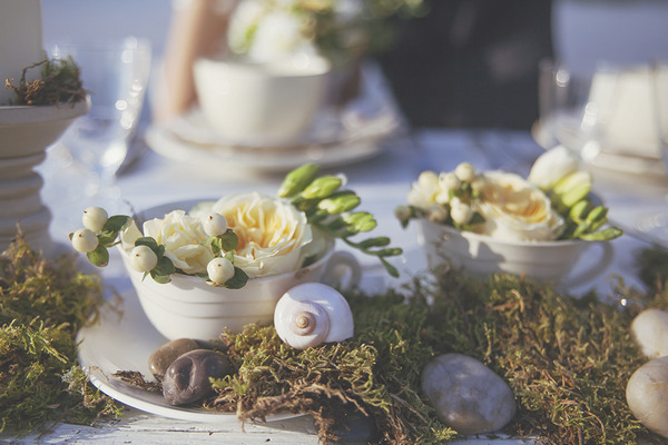 Shells and spring wedding decorations