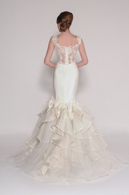 Back of 4007 Nia Wedding Dress - Eugenia Couture Signature Spring 2016 Bridal Collection