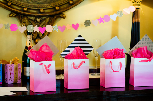 Pink bags with gifts for bridesmaids