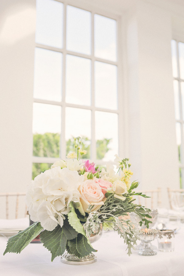 Pretty wedding table flowers