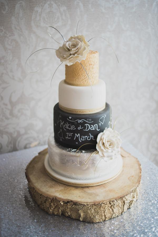 Wedding cake with chalkboard detail