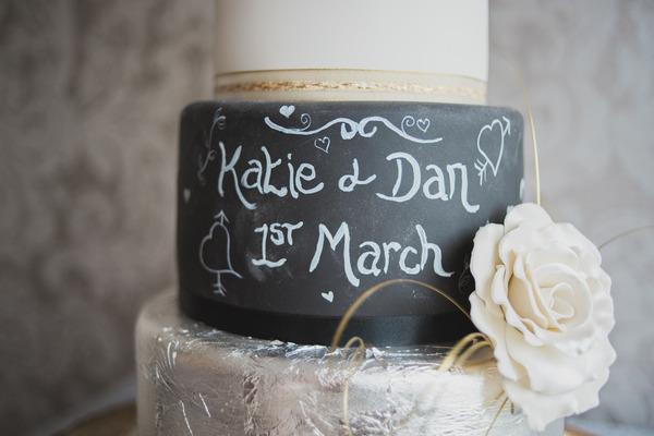 Chalkboard layer on wedding cake