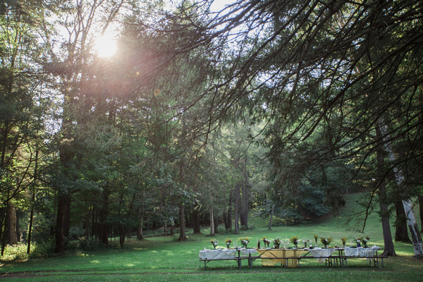 Long wedding table at Letchworth State Park