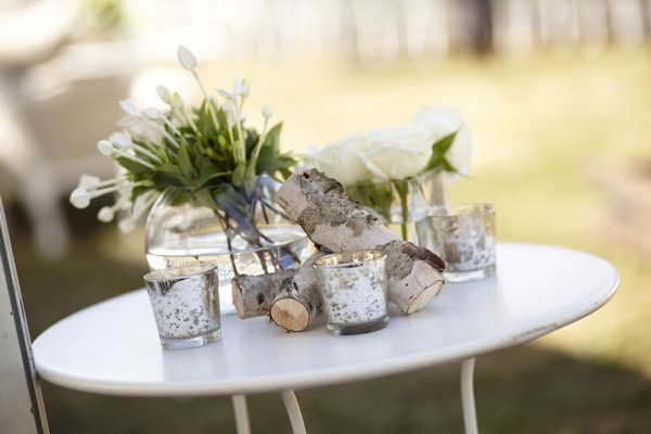 Table of natural and vintage wedding decorations