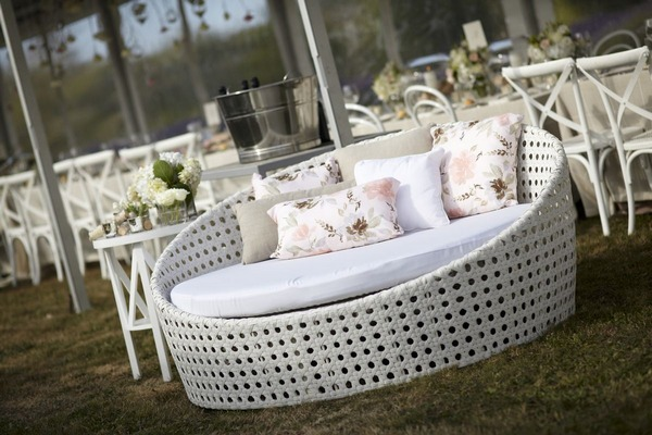 Outdoor wedding couch